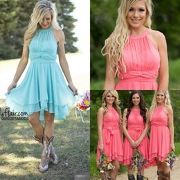 $enCountryForm.capitalKeyWord Canada - Hot Sale Coral Bridesmaid Dresses Jewel Rushed Chiffon Knee Length Wedding Guest Wear Tiered Party Dresses Maid of Honor Gowns
