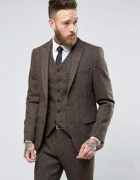 Barato Casaco Azul Real Para Homens-Latest Coat Pant Designs Inverno Brown Tweed Men Suit Tuxedo Slim Fit Skinny 3 Piece Blazer Custom Groom Tuits Terno Masculino High Quality