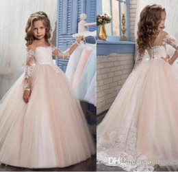 Vêtements Vintage Pas Cher-Vintage 2017 Lace Long Sleeves Flower Girls Robes pour les mariages Lovely Pageant Gowns pour les ados Kids Evening Prom Birthday Wear