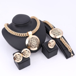 $enCountryForm.capitalKeyWord Canada - Women Bridal Imitated Crystal African Beads Jewelry Sets For Wedding Party Dress Accessories Set Earrings Pendant Necklace Rings