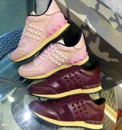 Collections Shoes Canada - pink Valenting runner studs sneaker new spring   summer 2016 collection womens designer shoes running shoes rivet pink leather sneakers