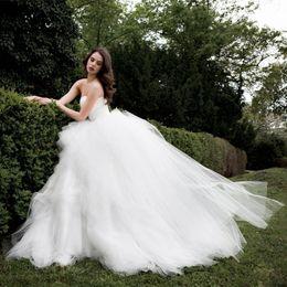 US2 4 6 8 10 12 14 16 18 Strapless Ball Gown Wedding Dresses New Comi Ng Tulle Ruffles Bridal Custom Robe De Mariage Modern Hot W006
