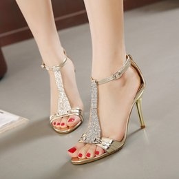 Shining Patent Leather Shoes Canada - 2016 New Design Summer Women Sandals With Ankle Strap Fashion Shine Rhinestone Sandals Female Shoes Free Shipping