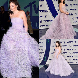 Luxury Evening Dress Feather Canada - Luxury Feather Evening Dresses Backless Strapless Neckline Prom Ball Gowns Light Purple Formal Red Carpet Dress