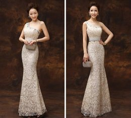 Beaded Mermaid Prom Pageant Dress Canada - 2016 New Shoulder Lace Mermaid Evening Dresses Sparkling Crystal Beaded Long Red Carpet Prom Dress Sexy Formal Pageant Robe Plue Size