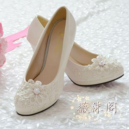 87ce93915 Beaded Flat Wedding Sandals Canada - 2014 Handmade Wedding Shoes Lace  Applique Bridal Shoes Bridal Accessories
