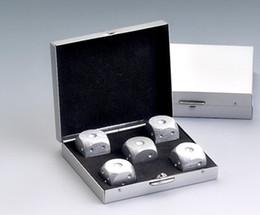 $enCountryForm.capitalKeyWord Canada - 5pcs * 16mm Pure Aluminum Dice And 1pcs * Aluminium Alloy Square Box Dice Set Party Drinking Games Gift Dices Quality 5pcs set #S40
