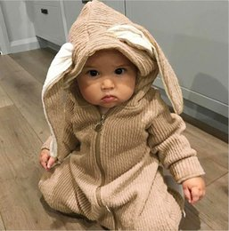 Barato Menina Roupas Coelho-Newborn Kids Girls Bunny Ear Rompers Babies Moda Hooded Jumpsuits Toddler Outono Cute Rompers 2017 Kids Clothing