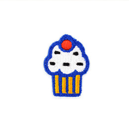 $enCountryForm.capitalKeyWord UK - 10 PCS Little Cake Embroidered Patches for Clothing Iron on Transfer Applique Food Patch for Jeans DIY Sew on Embroidery Sticker