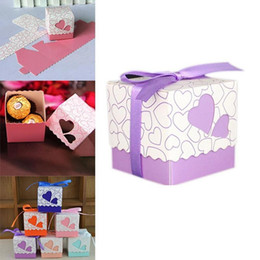Barato Presente Do Chocolate Do Amor-Baby Shower Party Favors Love Heart Shape Caixas de doces de Natal Laser Cut Gift Caixa de chocolate para favores de casamento Presentes de festa com Ribb