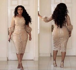 Barato Mulher Champanhe Sexy-Sexy Plus Size Cocktail Dresses Jewel Neck Applique 3/4 Sleeve Zipper Tea Comprimento Prom Dress Moda Champagne Pretty Woman Party Dress Z-40