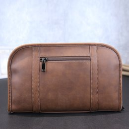 $enCountryForm.capitalKeyWord Canada - Wholesale- High quality men brown bag Crossbody messenger bag formal business briefcase handbag Laptop bag size 32X20 cm