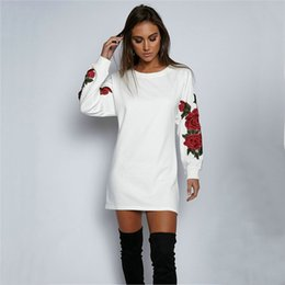 $enCountryForm.capitalKeyWord NZ - Wholesale free shipping Sexy Hoodies Women Rose Floral Embroidery O-Neck Black White Long Casual Pullovers Tops