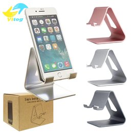 Wholesale Universal Luxury Aluminum Metal Tablet Desk Phone Holder Phone Stand for iPhone ipad mini Samsung Smartphone Tablets Laptop