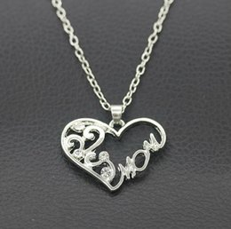 Wholesale Celtic Gifts Canada - Chain Necklace Wholesale Mother's Day Gift Heart Pendant Necklace Mom Word Necklace Romantic Birthday Cheap Women Jewelry Pendants Neck