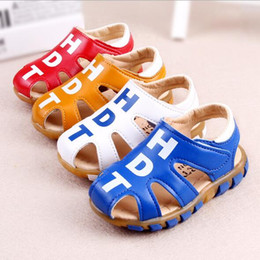 $enCountryForm.capitalKeyWord Australia - 2016 Baby Boy Sandals Soft Gladiator Leather Walking Sandals Summer Cute Kids Beach Shoes for Girls Children First Walker Shoes Footwear