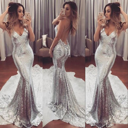 Train Organza En Argent Pas Cher-Luxe Sexy Sparkling Robe de bal Backless Silver Deep V-Neck Open Back Sweep Train Formal Party Dresses Modern Women Evening Gowns