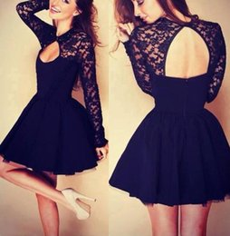 Barato Menina Vestido Escola Sexy-Little Black Long Sleeve Short Homecoming Vestidos para meninas Cheap Back to School Lace Tulle Uma linha Mini Sexy Backless Cocktail Prom Gowns