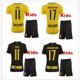Spandex Masculin Pas Cher-Livraison gratuite 2017REUS Soccer Shirt Enfants Set + Chaussettes Accueil Jaune AUBAMEYANG KAGAWA Away Football Uniformes Football Shirts Boy Sports T-Shirts