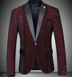 Red Blazer D'affaires Pas Cher-Veste en bourgogne 2017 Slim Fit Luxe Mens Red Blazer Velvet Wedding Business Vintage élégante Red Terno Masuclino