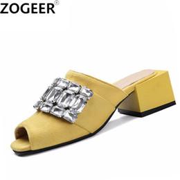 $enCountryForm.capitalKeyWord NZ - 2017 Summer Leisure Square Medium Heel Slippers Fashion Luxury Crystal Sandals Flock Slides Causal Flip flops Beach Shoes Woman
