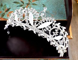 trendy beads 2019 - Luxury Bling Bling Bead Wedding Crowns Rhinestone Tiara Headpieces For Weddings Shiny Gold White Hair Jewelry discount t