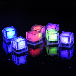 Plastic Lighted Cube UK - Wholesale Novelty LED Glow Ice Cubes Color Changing Cup Light Without Switch Flashing Lamps Wedding Party Decoration Lights