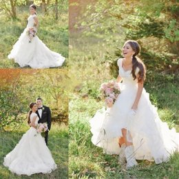 2018 Country Western A Line Wedding Dresses V Neck Short Sleeves Tiered Lace Appliques Gowns