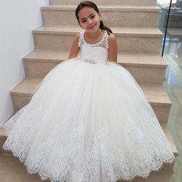Barato Rendas Vestidos De Tule Toddler-Cute Ball Gown Flower Girls Dresses Scoop Lace Tulle Andar Comprimento Toddler Infant Children Aniversário Holiday Christmas Wedding Party Dresses