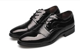 Formal Man Leather Shoes Flat Canada - 2018 new Men Business Leather Shoes Men Formal Dress Shoes Oxford Shoes Size: EU38-44