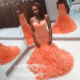 Les Mains Des Filles Sexy Pas Cher-2018 Black Girls Tiered Cascading Ruffles Mermaid Prom Robes Orange Organza Sweetheart Lace Up Femmes Made Made Long Party Dress Evening