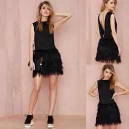 Barato Barato Sexy Night Club Vestidos-Sexy Backless Little Black Dresses Moda Couture 2018 Avestruz Feather Bainha Short Prom Vestidos Cocktail Dress Cheap Night Party Wear