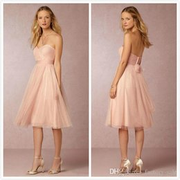 Barato Vestidos Curtos Elegantes Novos-2018 New Coral Short Vestidos de dama de honra Sweetheart Elegante Mini Cocktail Maid of Honor Dresses with Belt