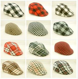 toddler boys sun hats UK - 300pcs HOT 18colors Kids Boys Girl Beret checked plaid Cap Toddler Children's Flat Cabbie Hats Cotton Sun children Caps D778