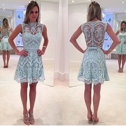 Barato Joelho Alto Homecoming Vestidos-Hot Sheer Lace Appliqued Knee Length Homecoming Vestidos 2017 High Neck Mini 8th Graduation Dress Cocktail Gowns
