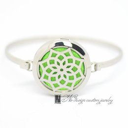 american oil UK - 2017 Fashion Daisy Aromatherapy Bracelet 316L s.steel Essential Oils Diffuser Locket Bangle 7''-8''wrist Free Shipping ((free 10pcs Felt)
