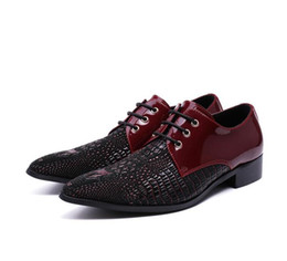 casual grooms shoes NZ - 2017 New style Fashion stylist pointed black red tide men's leather shoes English business casual lace-up banquet dress groom shoes M370