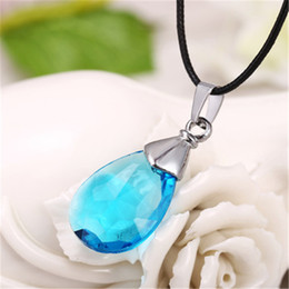 Sword art coSplay online shopping - Hot Anime Sword Art Online Metal Necklace Yui s Heart Blue Crystal Pendant Cosplay Accessories Jewelry