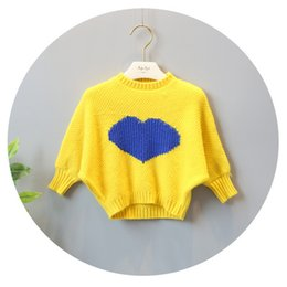 Chandails Longs Pour Les Filles Pas Cher-Nouveau 2017 Cute Autumn Girls Sweaters Tops Tricot Pullover à manches longues Love Heart Pattern Sweater Tricot Top pour 1-5Y Girl Yellow Pink A7542