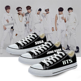 Dessiner Des Chaussures Blanches Pas Cher-Gros-Taille 35-44 KPOP BTS 2016 Mode Nouveau Mode K-POP Mode Dessiné White Canvas Cartoon Impression Leisure Flats Low Design Chaussures