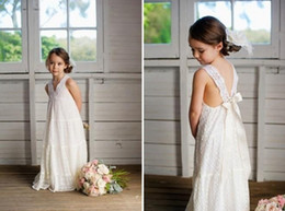 maxi dress summer wedding beach Canada - Romantic V-neck Summer Boho Flower Girls Dresses Floor Length Vintage Maxi Lace Little Bride Gowns Suitable for Beach Wedding