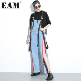 Cravate En Jean Jumpsuit Été Pas Cher-Wholesale- [EAM] 2017 Printemps Eté Mode Nouvelle Chaîne Bleue Chaussures Cowboy Pantalon Coréen Loose Split Long Denim Jumpsuit Trousers Femme T71905S
