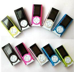 Vente en gros Mini lecteur MP3 avec écran LCD intégré lecteur de musique lecteur de carte lecteur MP3 2 Go 4 Go 8 Go 16 Go 32 Go TF