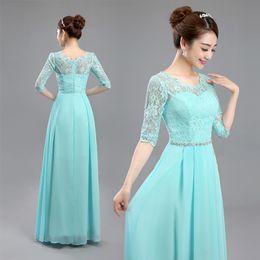 Venta al por mayor de Scoop Neck Lace Chiffon vestido de dama de honor con medias mangas 2019 Nuevo vestido de fiesta de bodas largo azul lago