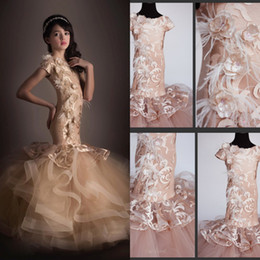 2019 sirène longue petite fille Pageant robes manches courtes plume dentelle robe de fille de fleur pour les mariages bijou cou ados robes de bal en Solde