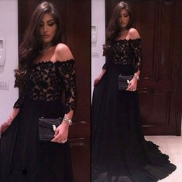Barato Vestidos Manga Longa Desfile Barato-Sexy Off the Shoulder Prom Dress Long Vestidos de noite pretos formados Lace Top Chiffon Skirt Cheap Storeante com mangas
