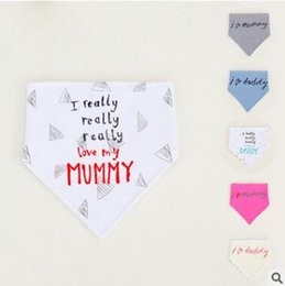 Coton Triangulaire Bande Bande Pas Cher-Grossiste Baby Bandana Bibs Baby Infant Letter Coton Double couche Bandana Bibs Mignon Triangle Head Scarf Long Absorbant Ajustable Bib 574