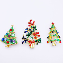 $enCountryForm.capitalKeyWord Canada - 3PCS New Year Series Metal Drops Belt Belt Mixed Christmas Tree Brooch 45-56MM Jewelry Gift Christmas Decoration Brooch