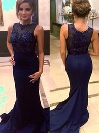 Robes De Bandage De La Marine Foncée Pas Cher-2017 Dark Navy Blue Robes de soirée Lace Appliques Crew Mermaid Style Beaded Women Dress Floor Length Celebrity Party Gowns pour dames