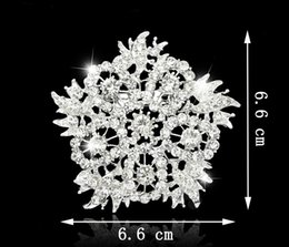 Big Fashion Flowers Brooch Canada - Jewelry Europe And The United States Jewelry Fashion Multicolor Big Flower Crystal Brooch For Women 2016 Wholesale Jewelry B053